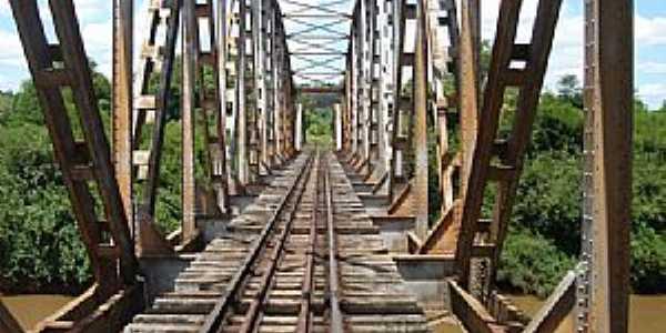 Ponte s/o Rio Ijuí - Estrada Ijuí - Catuípe - por Aristeu  Huber