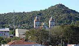 Jaguari - Igreja e Obelisco