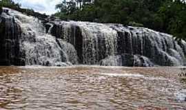 Lagoa Vermelha - Cascata do Rio Inhandava