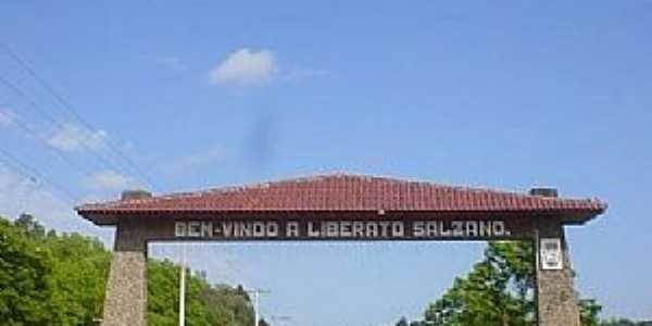 Portico de Liberato Salzano-RS - por rscariot