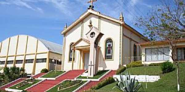Igreja Matriz de Liberato Salzano -  por rscariot