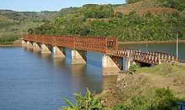 Marcelino Ramos - Marcelino Ramos-RS-Ponte Férrea sobre o Rio Uruguai-Foto:Auri Brandão