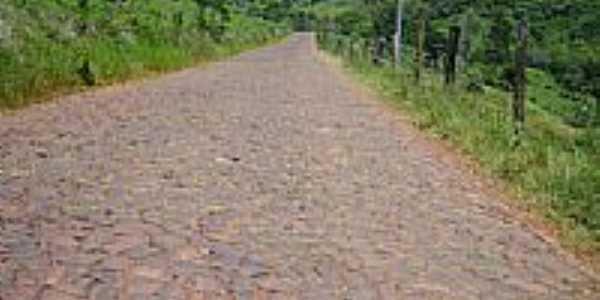 Calçamento em estrada do interior-Foto:Auri Brandão