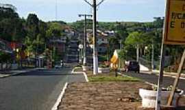 Maximiliano de Almeida - Rua central-Foto:Auri Brandão