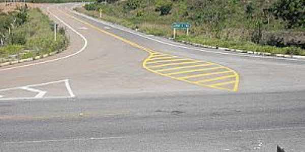 Largo-BA-Trevo de acesso ao Distrito-Foto:piritibanet.blogspot