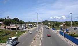 Lauro de Freitas - Rodovia e a cidade de Lauro de Freitas-BA-Foto:cerrado