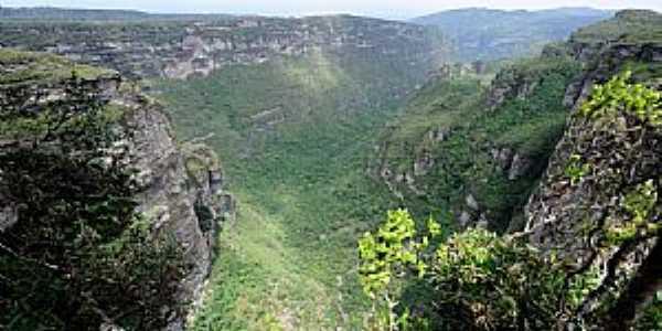 Len��is-BA-Vale da Cachoeira da Fuma�a-Foto:jfrezende