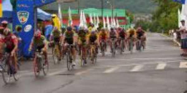 Etapa do campeonato Gaucho de ciclismo Nova Hartz/RS, Por Saulo de Souza