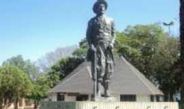 Palmeira das Miss�es - Monumento ao Soldado P�-No-Ch�o, Por Palmeira