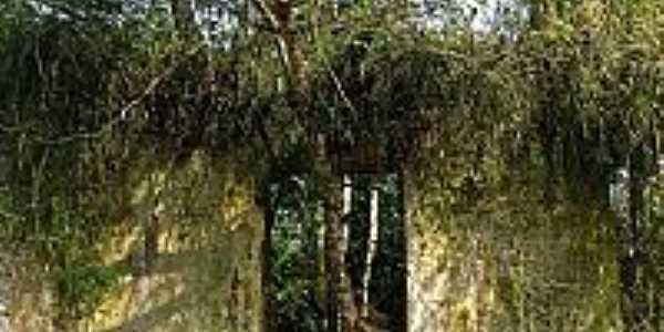 Ruinas-Carlos Antonio Campani