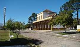 Pedro Osório - Pedro Osório-RS-Praça e antiga Estação Ferroviária-Foto:PCRAPAKI-TRAMANDAÍ-RS
