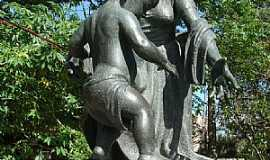Pelotas - Pelotas-RS-Monumento �s M�es de Ant�nio Caringi-Foto:Henrique de BORBA
