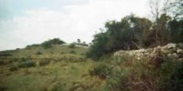 Cerca  de pedra em pinheiro machado, Por marcondes correa da silva