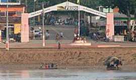 Feijó - Portal da cidade visto do Rio Envira em Feijó-FotoFrancisco Valdemir