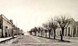 Quaraí - Quaraí-RS-Fotos Históricas:Rua Buarque de Macedo,atual 7 de Setembro-1951