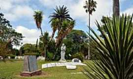 Quara� - Quara�-RS-Monumento em homenagem �s M�es na Pra�a General Os�rio-Foto:Leirbag