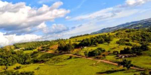 Vista da Vila Goiabal de cima de um cerro, Quevedos, Por Hyan Vieira De Vargas