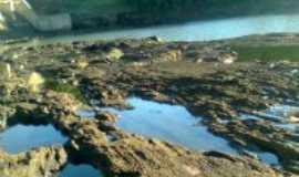 Salto do Jacu� - pedras abaixo da barragem maia filho, Por sheila de melo