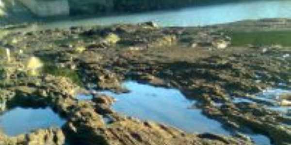 pedras abaixo da barragem maia filho, Por sheila de melo