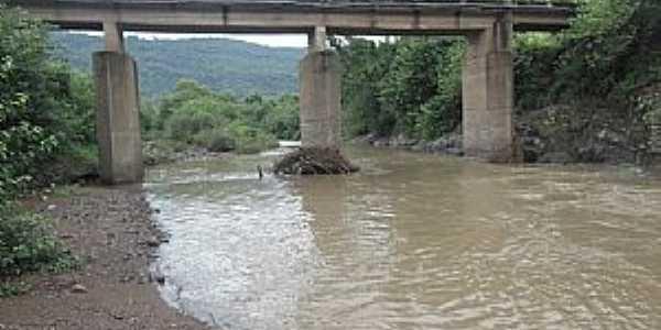 Santa Tereza-RS-Ponte sobre o Arroio Marrec�o-Foto:L.A. Zar