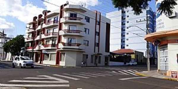 Visão da Benjamin Constant esquina com a Pinheiro Machado.