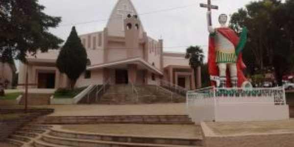 Santuário e monumento de Santo Expedito., Por Bruna Belusso