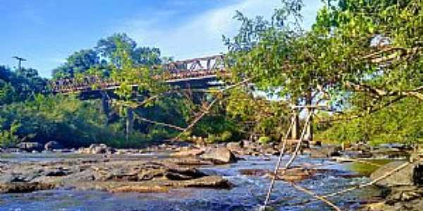Ponte de ferro Eng. Daniel Ribeiro. Foto: Jaqueline Hartmann.