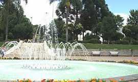 São Marcos - São Marcos-RS-Chafariz na Praça central-Foto:Sidnei José Romano