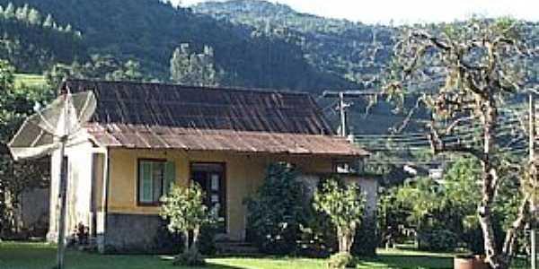 São Roque-RS-Casa de Campo-Foto:www.terragaucha.com.br
