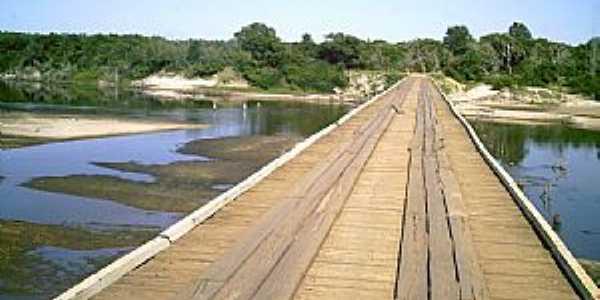 Ponte no Rio Santa Maria - em São Simão