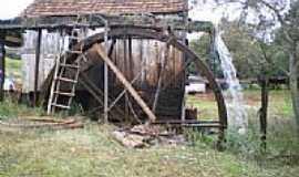 Sede Nova - Roda D`água por Marcelo L Christoff