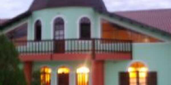 Casa holandesa-Monte Belo, Por Moacir Silva Motta