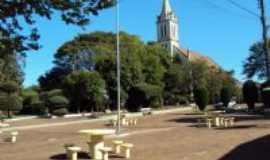 Selbach - Praça da Igreja, Por Sady Afonso Junges