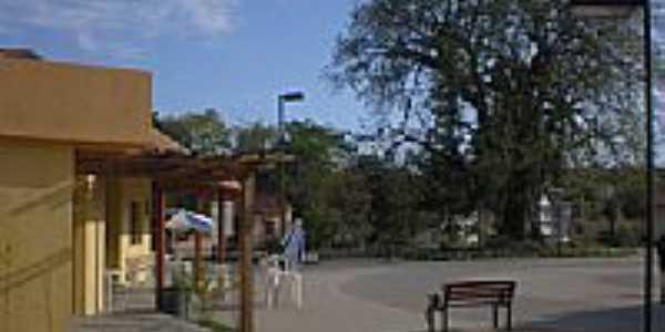 Praça-por alumoreira