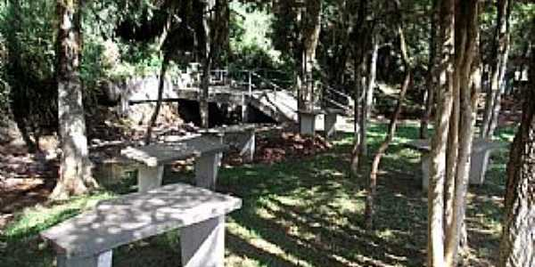 Silva Jardim-RS-Jardim para Reflexão na Gruta de N.Sra.de Lourdes-Foto:Fredy Silva