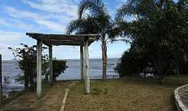 Tapes - Tapes-RS-Lagoa dos Patos na área central da cidade-Foto:marcosh85.