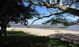 Tapes - Tapes-RS-Vista da praia na Lagoa dos Patos-Foto:marcosh85.