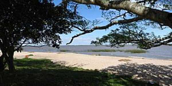 Tapes-RS-Vista da praia na Lagoa dos Patos-Foto:marcosh85.