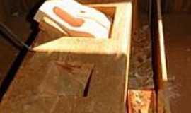 Teutônia - Artesanato Sapato de Pau-Foto:ANELISE KUNRATH