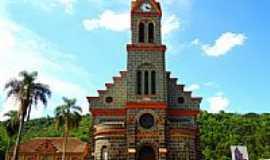 Três Arroios - Igreja de Santa Isabel da Hungria em Três Arroios-RS-Foto:Auri Brandão