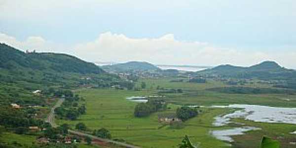 Três Cachoeiras-RS-Lagoa Itapeva, Prainha e vista da região-Foto:trescachoeiras.rs.