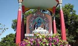 Três Coroas - Três Coroas-RS-Buddha Akshobya no Templo Budista-Foto:Romão
