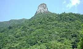 Três Forquilhas - Três Forquilhas-RS-Pedra do Morro Josafat-Foto:C.A.Müller