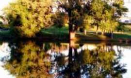 Tr�s Passos - Parque do Lago, Por Marcelo Neckel