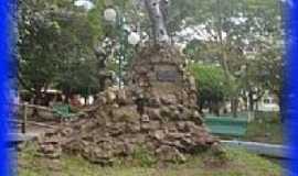 Uruguaiana - Estatua da Praça Barão do Rio Branco