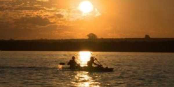 Caiaqueiros desfrutando as belezas do Rio Uruguai, Por Rodrigo Bessow