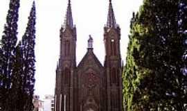 Vacaria - Vacaria-RS-Catedral de N.Sra da Oliveira-Foto:Vicente A. Queiroz