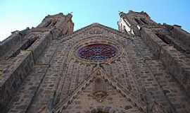Vacaria - Vacaria-RS-Catedral N.Sra.da Oliveira-Foto:Eber Beck