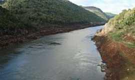 Vacaria - Vacaria-RS-Rio Grande que divide os Estados do Rio Grande do Sul e Santa Catarina-Foto:J. C. de Carvalho