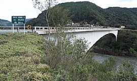 Vacaria - Vacaria-RS-Vista da Ponte sobre o Rio Pelotas-Foto:fotosmunivacaria